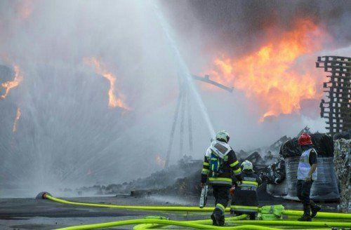 Noch ist unklar, wie es zu dem verheerenden Brand in Wildon kommen konnte.