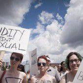Demonstration für das Recht auf oben ohne