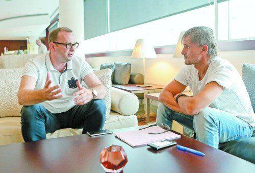 SCRA-Geschäftsführer Christoph Längle (l.) im Gespräch mit VN-Sportchef Christian Adam.