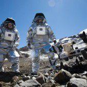 Forscher im Raumanzug auf Tiroler Gletscher