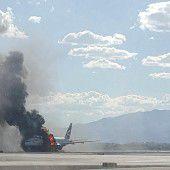 Flugzeug gerät vor Start in Brand: 14 Verletzte