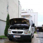 Auto geht in Lauterach in Flammen auf