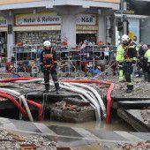 Wasserrohrbruch  legt Verkehr lahm