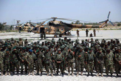 Die afghanische Armee rüstete am Dienstag zum Sturm auf die Taliban in Kundus. Die USA unterstützten das Militär mit Luftschlägen.