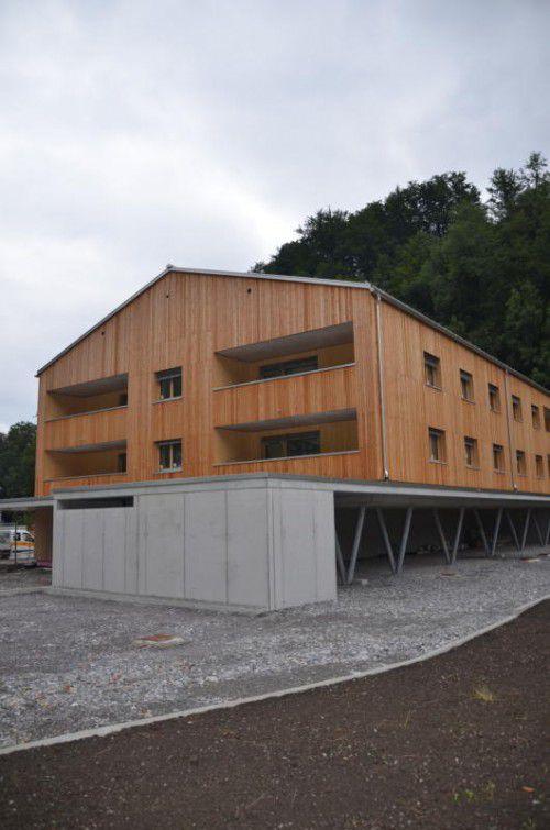 Die neue Wohnanlage soll im Oktober fertiggestellt sein.