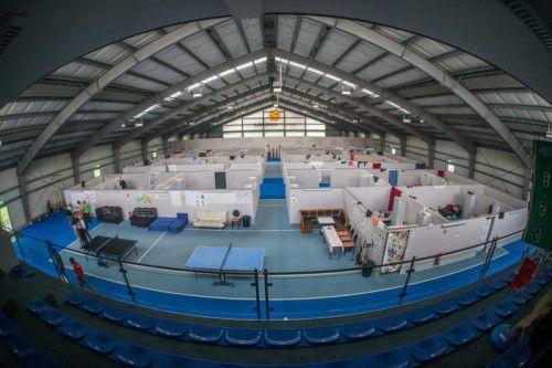 Zwischen August 2015 und 2017 waren in der Tennishalle in Götzis Flüchtlinge untergebracht. Ab Herbst soll wieder Tennis gespielt werden. vN/Steurer