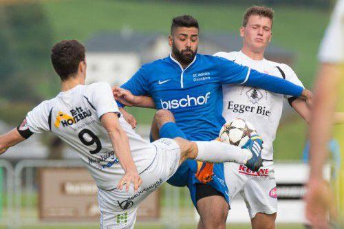 Direnc Borihan (Mitte) brachte die Admira in Egg mit 1:0 in Führung.