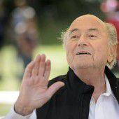 Schlinge um Blatter zieht sich zu
