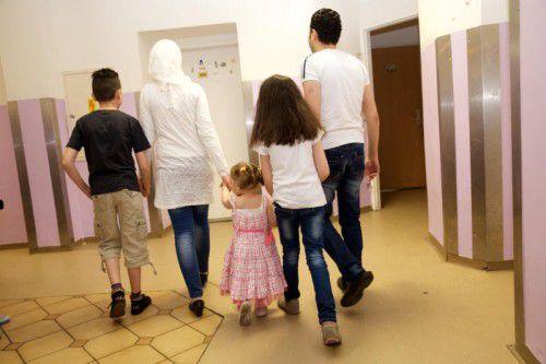 Eine syrische Flüchtlingsfamilie in einer rund 50 Quadratmeter großen Startwohnung in Wien.