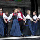 Großes Kindertrachtenfest in Bregenz