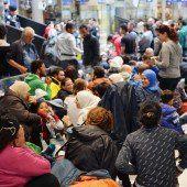 Notquartiere für Flüchtlinge werden knapp