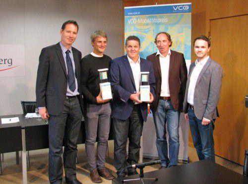 LR Johannes Rauch, Markus Gansterer (VCÖ) und Arnold Fink (ÖBB) mit Bürgermeister Christian Natter und Martin Reis vom Energieinstitut.