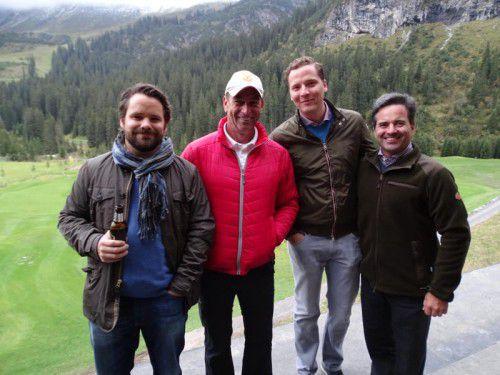 Michael Zimmermann (l.) mit Sportwart Horst Grilc sowie Christian Lucian und Golf-Lech-Aufsichtsratschef Florian Moosbrugger.
