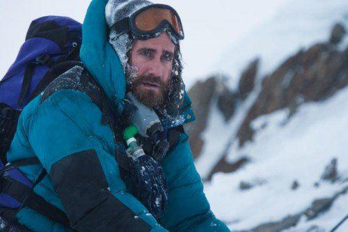 Scott Fischer (Gyllenhaal) führt eine Gruppe auf den Mount Everest. Dann beginnt der Überlebenskampf.