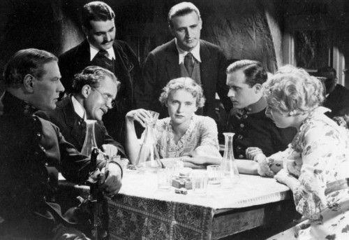 """Szene aus dem Film """"Vorstadtvarieté"""" von Werner Hochbaum mit Luise Ullrich und Hans Moser, der 1934 gedreht wurde."""