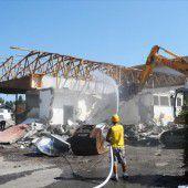 Volksschule in Höchst wird nun abgerissen
