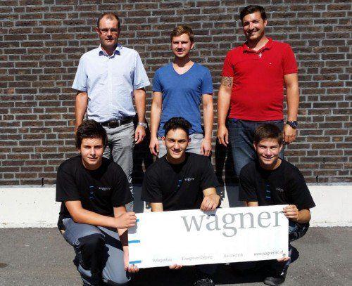 WAGNER: Drei neue Lehrlinge haben ihre Lehre als Installations- und Gebäudetechniker begonnen. Insgesamt bildet das Unternehmen in Nüziders zwölf Lehrlinge in drei verschiedenen Lehrberufen aus.