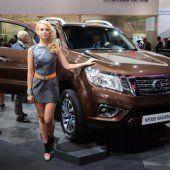 Nissan mit Pick-up und Crossover-Konzept