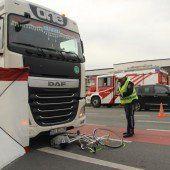 Tödlicher Unfall in Hard: Lkw erfasst Radfahrerin