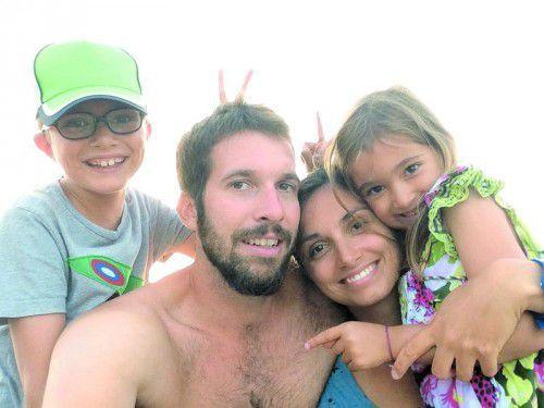 Die Familie Schneider (v. l.), Nathan, Philip, Elodie und Estelle, fühlt sich sichtlich wohl in Montpellier.