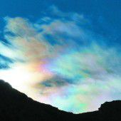 Farbexplosion am Himmel