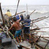 Taifun Koppu zwingt Tausende zur Flucht