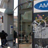 Bürgerkampf um Apotheke