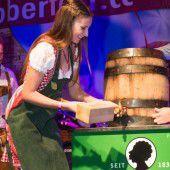 Miss Vorarlberg schwingt den Hammer
