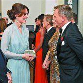 Royals feierten Bond-Premiere