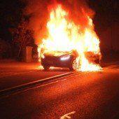 Technischer Defekt setzt Auto in Brand