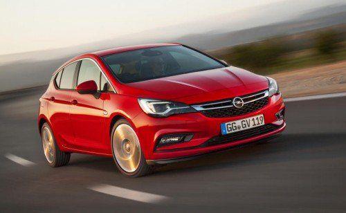 Im neuen Gewand: Der Opel Astra wirkt flacher und agiler. Was er auch – wie erste VN-Testfahrten zeigen – auf der Straße ist.