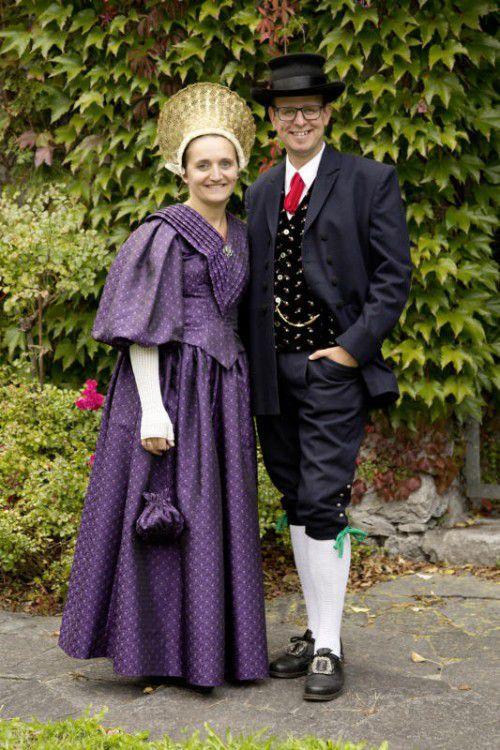 Monika und Michael Konzett in der Sonntagstracht. Die beiden freuen sich auf eine gelungene 90-Jahr-Feier.