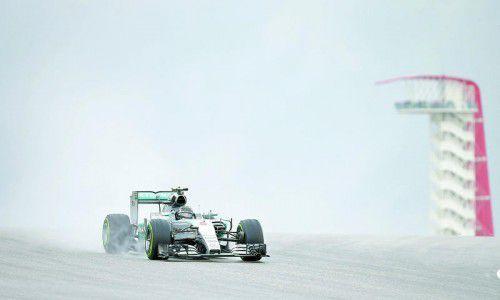 Nico Rosberg gelang im ersten Training in Austin auf nasser Strecke die schnellste Runde.