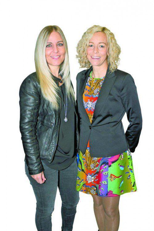 Sabine Geser (Glatz Klischee, l.) und Christina Berlinger (Hellblau).
