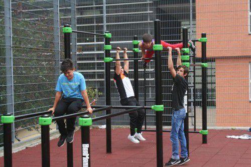 Street-Workout-Park auf dem Schulhof in Bregenz.