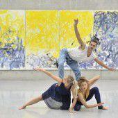 Expressive Malerei tanzend aufgenommen