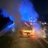 Flammen im Motorraum