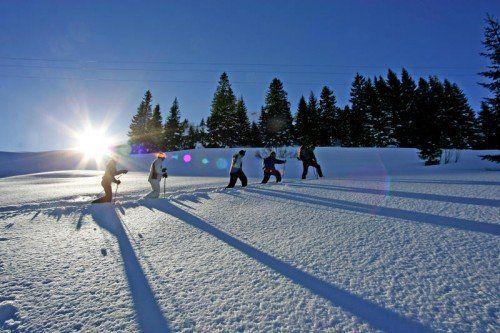 Bei Schneeschuhwanderungen und Skitouren lässt sich die unberührte Bergwelt des Biosphärenparks besonders intensiv erleben.