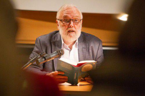 Christian Mähr bei seiner Lesung bei Russmedia.