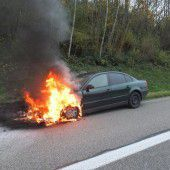 Auto brannte völlig aus