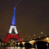 Paris schlägt nach der Terrorwelle zurück