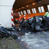 35-Jähriger bei Frontalaufprall gegen Tunnelportal getötet