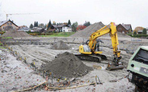 Die Baugrube wurde teilweise bereits ausgehoben.