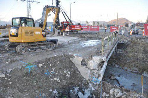 Die bestehende Brücke soll noch heuer abgerissen werden.