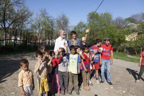Die Kinder liegen Pater Sporschill besonders am Herzen.