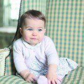 Königshaus zeigt Babyfotos