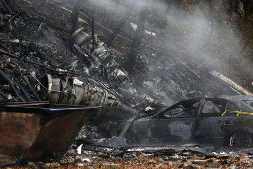 Die Maschine war im Landeanflug auf den Flughafen in Akron, als sie eine Telefonleitung streifte.