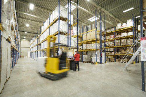 Die neue Halle des Verpackungsunternehmens Trendpack bietet Platz für 2250 Paletten.