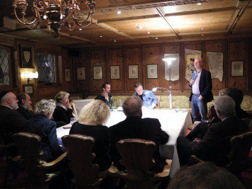Die Tagung begann gestern Abend in St. Christoph mit einem Referat, einer Lesung und einer Diskussionsrunde.