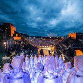 Publikumsinteresse lässt Aufstockung der Turandot-Aufführungen auf dem See zu